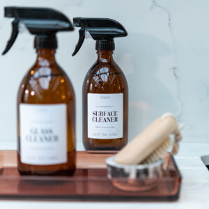 Customisable Plastic Amber Spray Bottle with White Label – 500ml